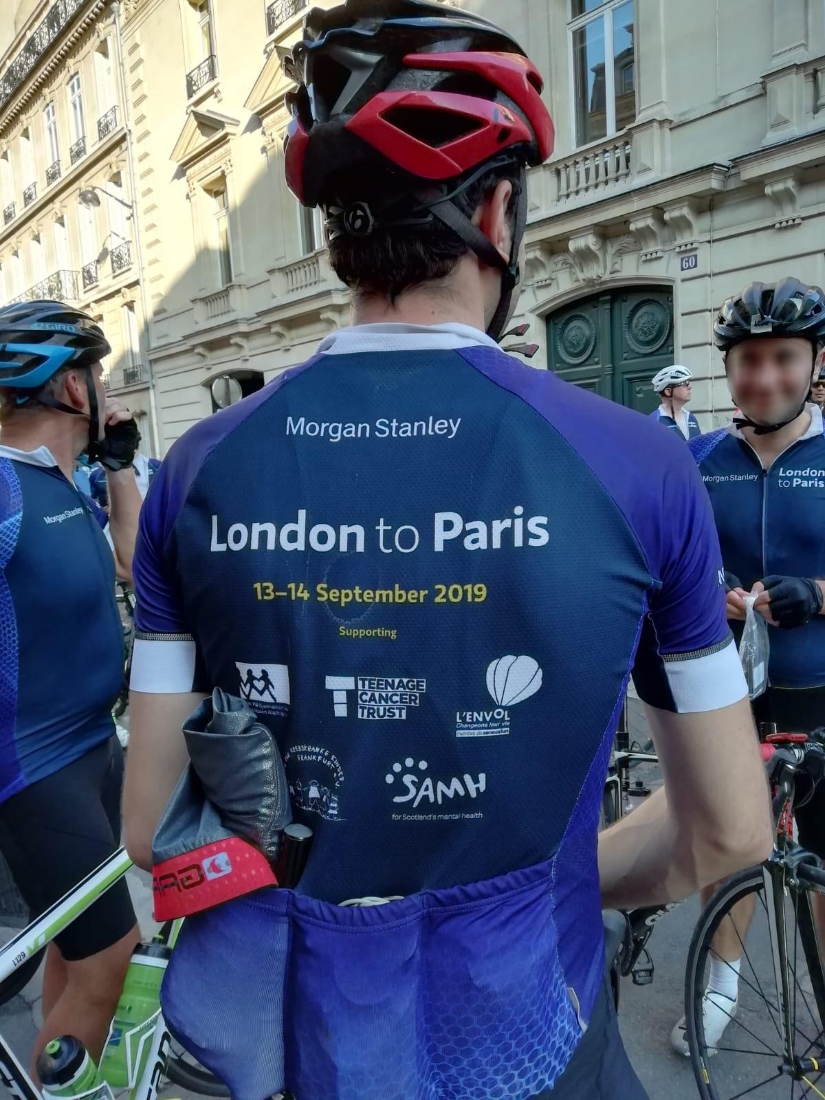 Collaborateurs Morgan Stanley pendant le challenge cycliste